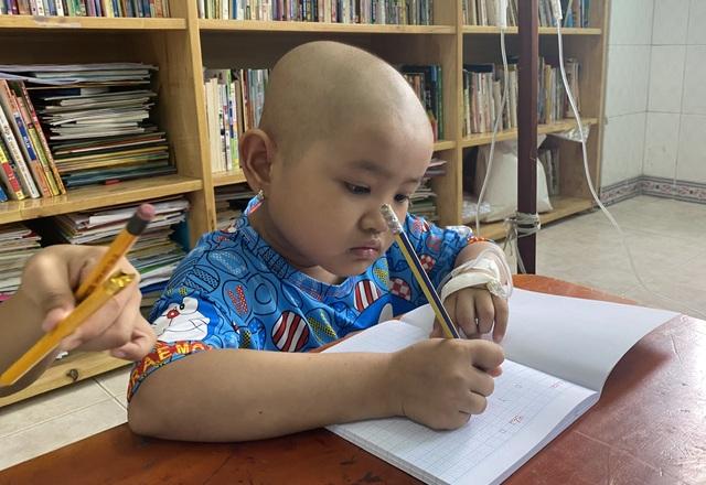 Xót thương bé gái 6 tuổi lần thứ 2 đối mặt tử thần vì bệnh hiểm - 7