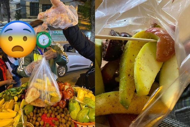 Du khách Sài Gòn bị chặt chém túi hoa quả rong 200 nghìn đồng ở Hà Nội - 1