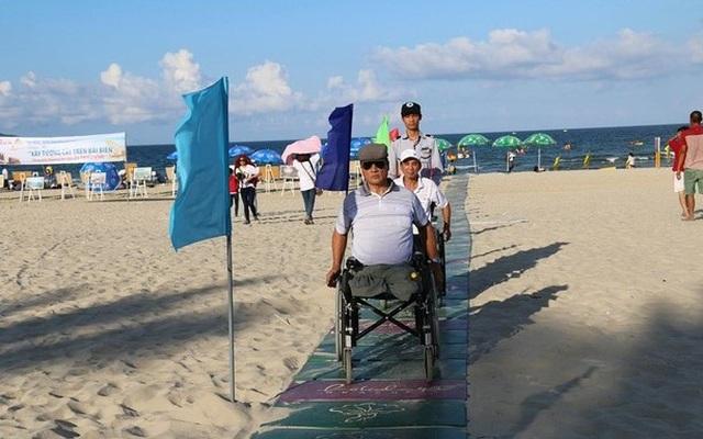 Đà Nẵng mở 24 lối xuống bãi biển dành cho người khuyết tật - 1