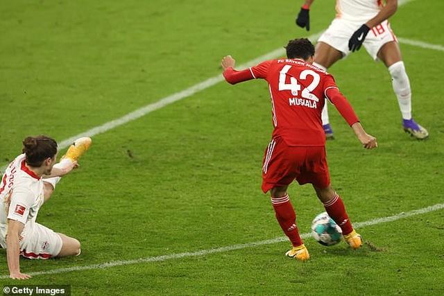 Cầm hòa Bayern Munich, Leipzig gửi lời cảnh báo đến Man Utd - 3