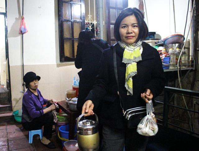 Kỳ lạ phở khổ Hà Nội: Bán trên sân thượng, khách đến ăn gù lưng, mỏi gối - 10