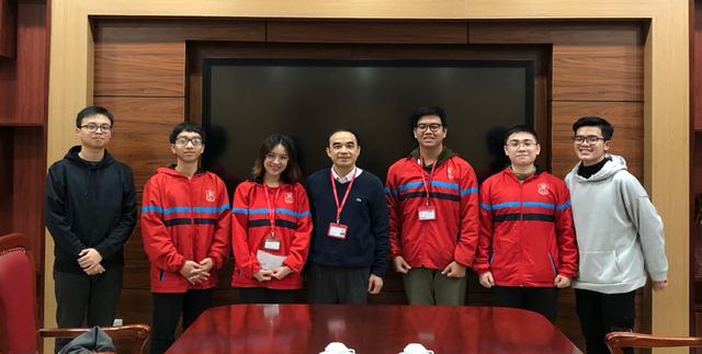 Sinh viên trường ĐH Y Hà Nội vô địch cuộc thi Olympic tiếng Anh toàn quốc - 3
