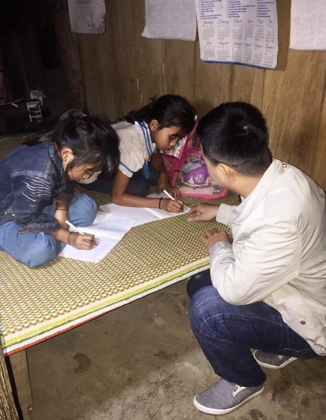 Xót thương hàng trăm học sinh mồ côi sống lay lắt ở miền Tây xứ Nghệ - 5