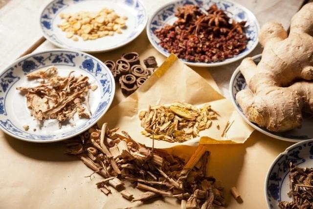 Sai lầm trong cách sử dụng thuốc của người Việt khiến gan bị tổn thương - 3