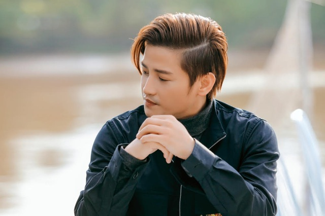 Chuyện tình yêu đẫm nước mắt trong MV Đỗ Minh Quân - 5