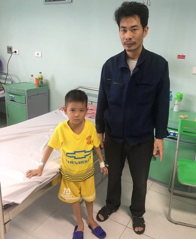Thương cậu bé vừa nhập học đã phải xa trường chống chọi với bệnh ung thư - 3