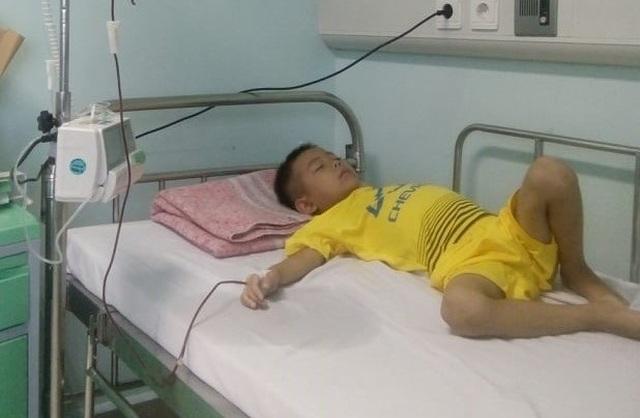 Thương cậu bé vừa nhập học đã phải xa trường chống chọi với bệnh ung thư - 4