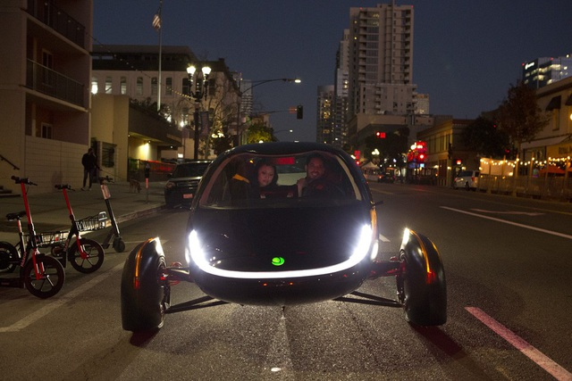 Xuất hiện xe chạy điện đầu tiên trên thế giới không cần sạc - 5