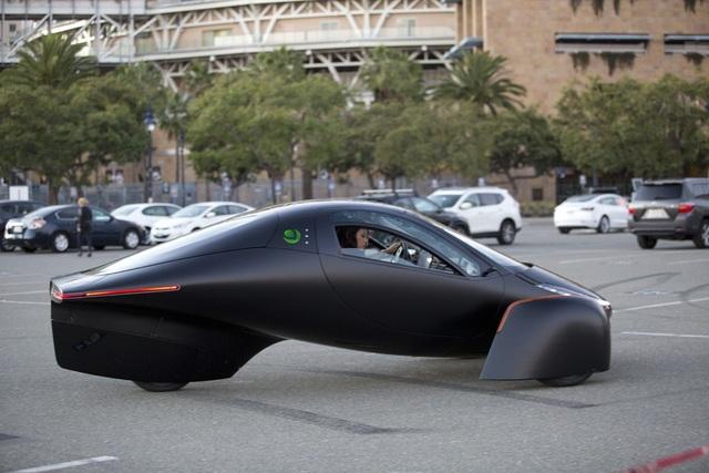 Xuất hiện xe chạy điện đầu tiên trên thế giới không cần sạc - 1