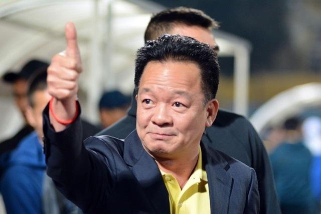 Soi túi tiền trồi sụt của những ông bầu nổi danh làng bóng đá Việt - 3