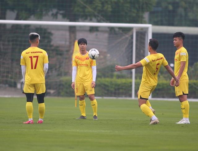 Công Phượng hội quân, Quế Ngọc Hải nhấn mạnh trận đấu với Malaysia - 1