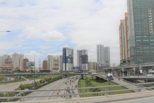 Cuộc đua bất động sản Đông - Tây: Hai cực nóng của Sài Gòn - 2