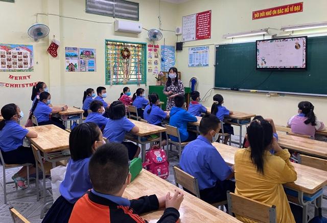 Giáo viên âm tính với Covid-19, học sinh 4 trường tiểu học đi học trở lại - 2