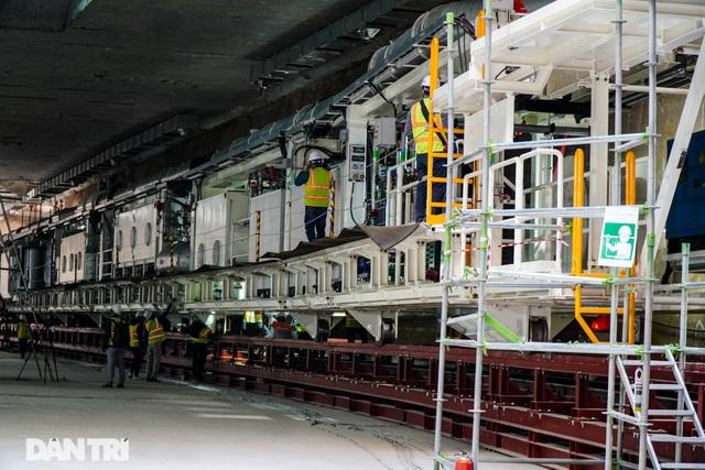 Cận cảnh quái vật đào hầm khổng lồ nặng 850 tấn đầu tiên của Hà Nội - 5