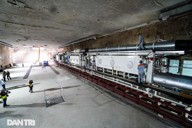 Cận cảnh quái vật đào hầm khổng lồ nặng 850 tấn đầu tiên của Hà Nội - 2