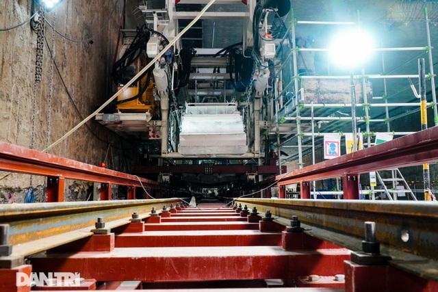 Cận cảnh quái vật đào hầm khổng lồ nặng 850 tấn đầu tiên của Hà Nội - 6