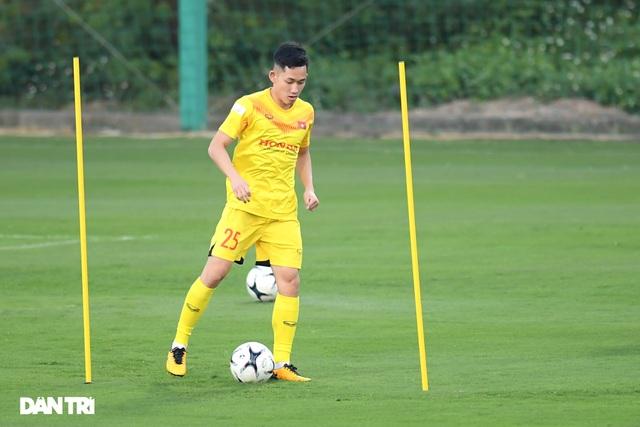 Hai Long đua với Việt Anh đến danh hiệu cầu thủ trẻ hay nhất năm 2020 - 1