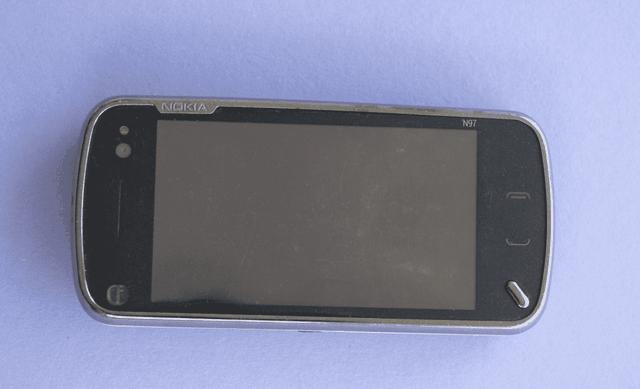 Cay đắng cho số phận chiếc điện thoại Nokia mệnh danh kẻ soán ngôi iPhone - 4