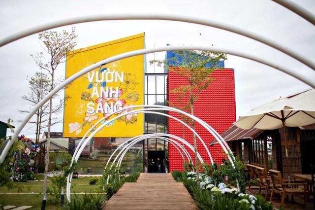 Vườn Ánh Sáng Lumiere: Kỳ quan ánh sáng giữa lòng Đà Lạt - 1