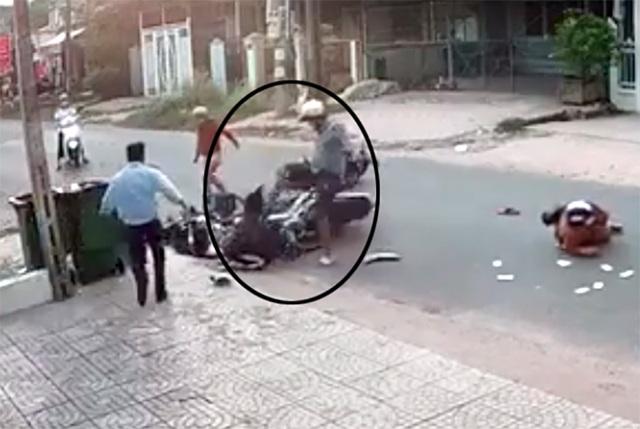 Bắt khẩn cấp thanh niên đánh dã man nữ sinh sau va chạm giao thông - 3