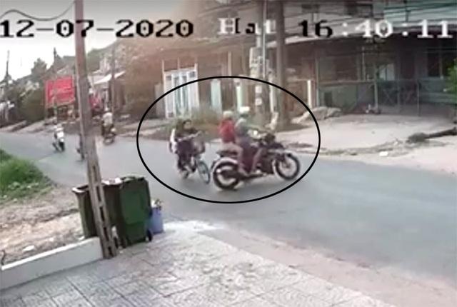Bắt khẩn cấp thanh niên đánh dã man nữ sinh sau va chạm giao thông - 2
