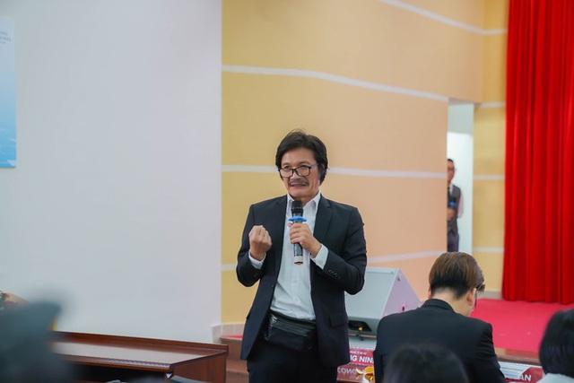 NSƯT Công Ninh tiết lộ cơ duyên gặp vợ kém 22 tuổi - 3