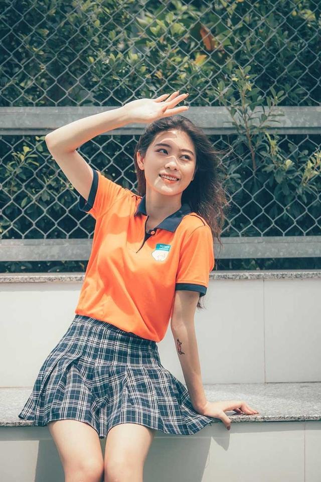 Hot girl đồng phục trường Hutech xinh xắn, cao 1m71 - 2
