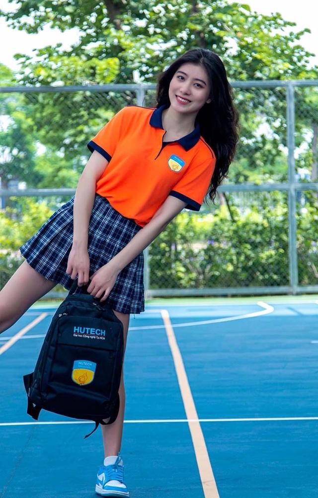 Hot girl đồng phục trường Hutech xinh xắn, cao 1m71 - 4