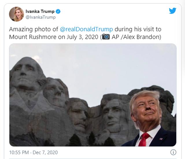 Bức ảnh gây bão mạng của con gái ông Trump - 2