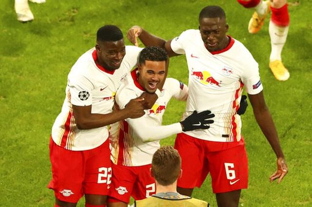 RB Leipzig 3-2 Man Utd: Trái đắng cho Quỷ đỏ - 5