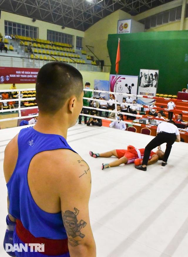 Chỉ 58 giây, quyền vương Trương Đình Hoàng hạ knock-out đối thủ - 8