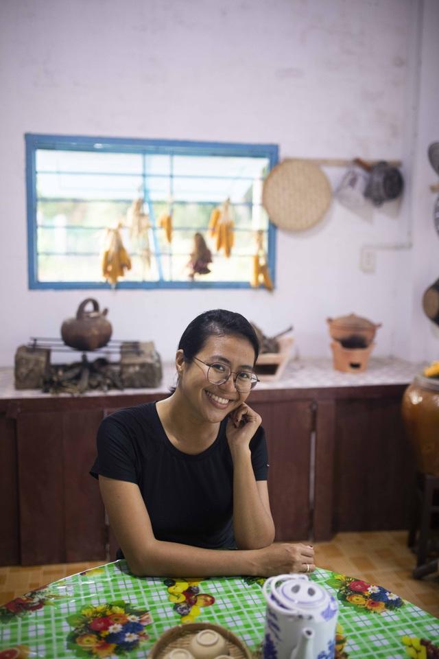 Nữ nhiếp ảnh Sài Gòn bỏ phố về quê, tự làm khu vườn 1ha thơ mộng - 8