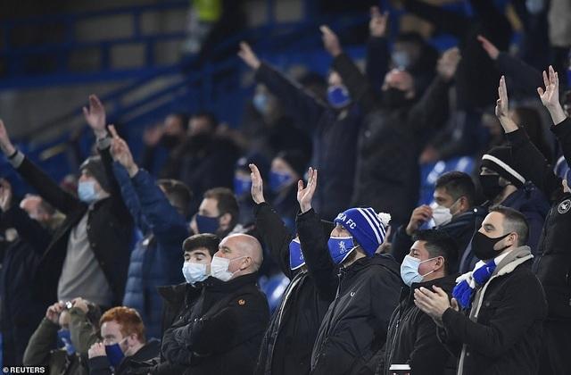 Chelsea giành vé đi tiếp với thành tích bất bại ở Champions League - 4