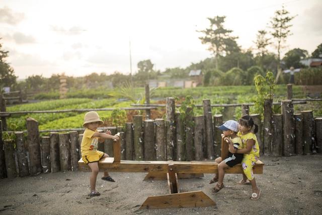 Nữ nhiếp ảnh Sài Gòn bỏ phố về quê, tự làm khu vườn 1ha thơ mộng - 13