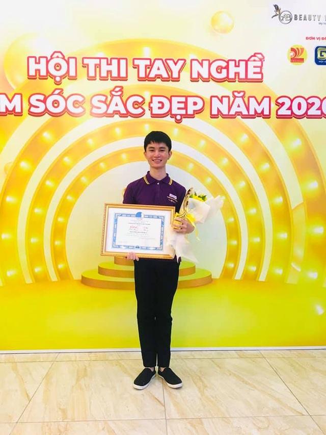 Nam sinh giành giải Nhất thi tay nghề, gạt định kiến học nghề spa - 3