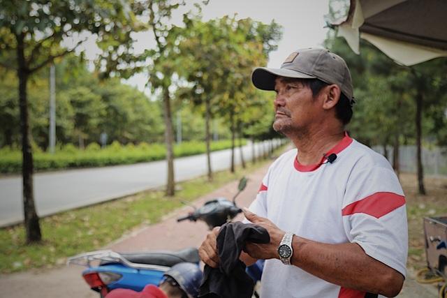 Ông Minh cô đơn 15 năm sửa xe miễn phí cho sinh viên - 2