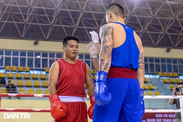 Chỉ 58 giây, quyền vương Trương Đình Hoàng hạ knock-out đối thủ - 1