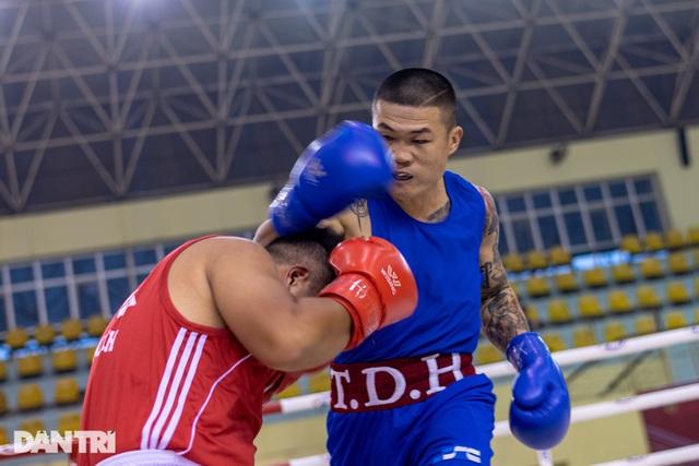 Chỉ 58 giây, quyền vương Trương Đình Hoàng hạ knock-out đối thủ - 4