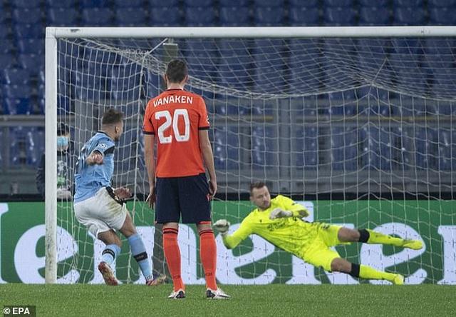 Theo chân Dortmund, Lazio giành vé đi tiếp ở Champions League - 2