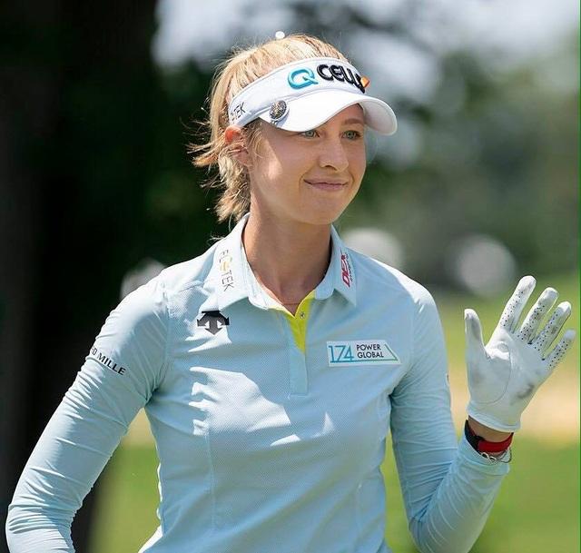 Vẻ đẹp mê hồn của nữ golf thủ ở giải US Womens Open - 4