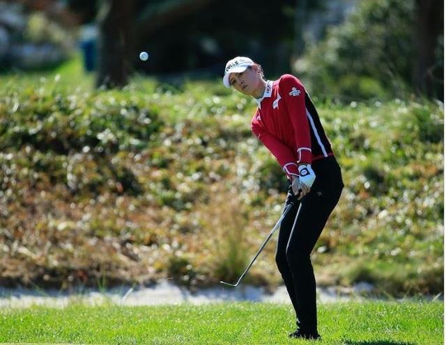 Vẻ đẹp mê hồn của nữ golf thủ ở giải US Womens Open - 3