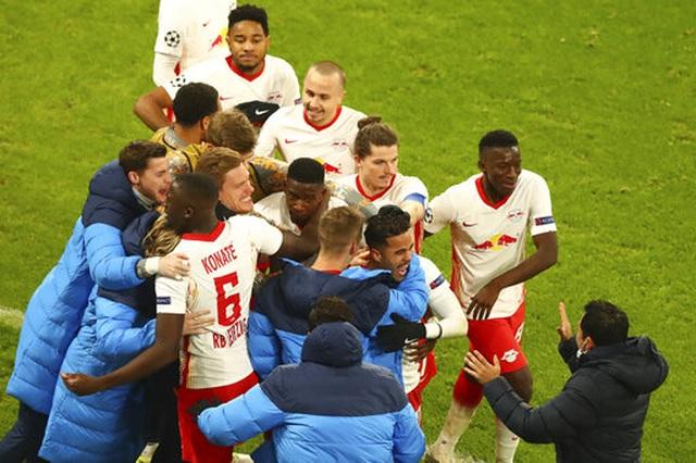 Những khoảnh khắc cuối cùng của Man Utd ở Champions League 2020/21 - 10