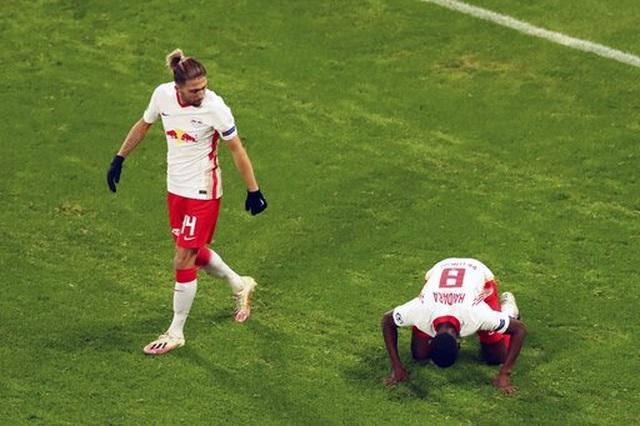 Những khoảnh khắc cuối cùng của Man Utd ở Champions League 2020/21 - 5