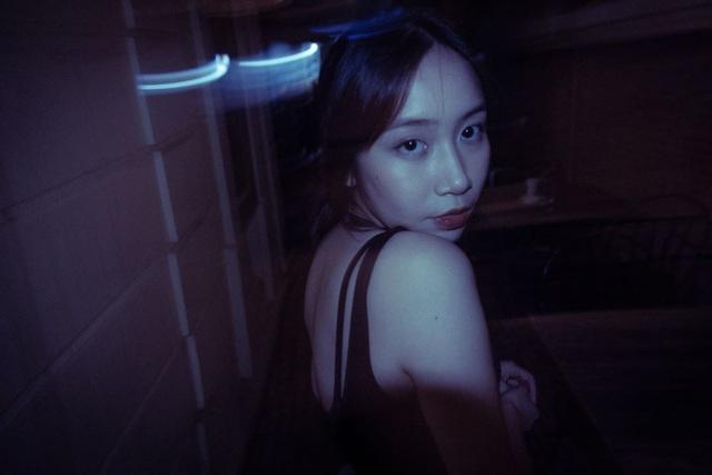 Con gái út nhà Diva Mỹ Linh lần đầu khoe dáng với bikini - 6