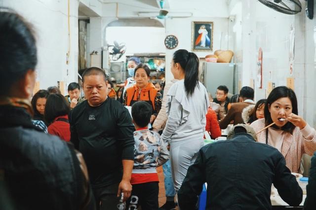 Lạ lùng quán bún nhà giàu thời bao cấp, ngày bán 600 bát ở Hà Nội - 2
