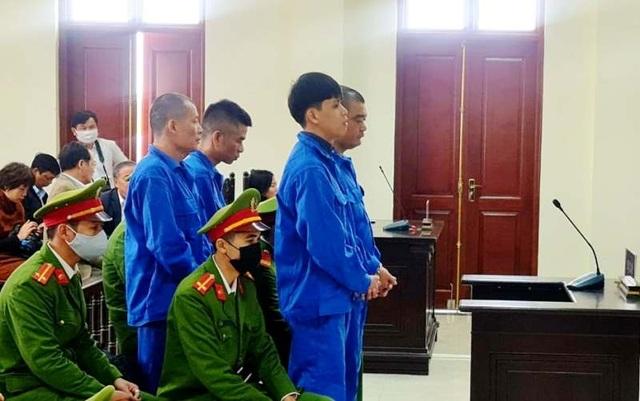 Nhóm bảo kê, ăn chặn tiền hỏa táng lĩnh 135 tháng tù giam - 1
