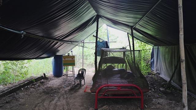 Ông Minh cô đơn 15 năm sửa xe miễn phí cho sinh viên - 4