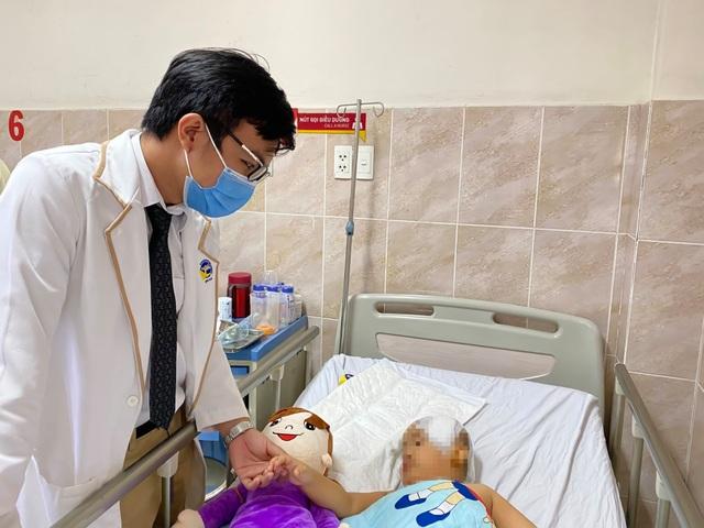 Bé 4 tuổi nứt hộp sọ, nguy kịch vì tai nạn thường gặp - 3
