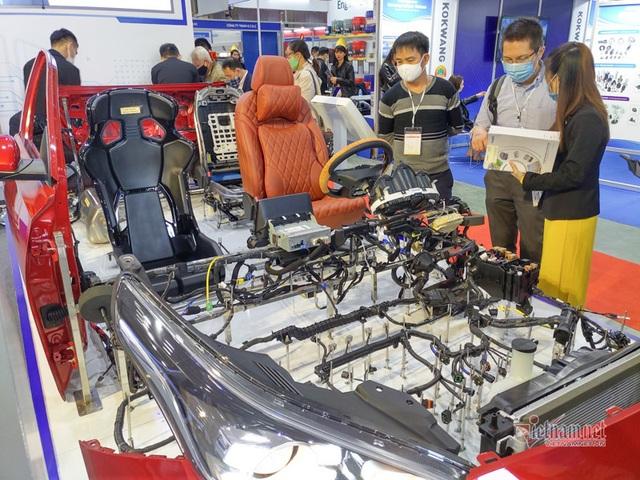 25 năm, vì sao nội địa hóa ô tô Việt Nam vẫn thấp, giá vẫn cao? - 2