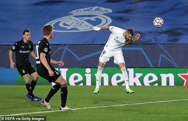 Đánh bại Moenchengladbach, Real Madrid giành ngôi đầu bảng - 2